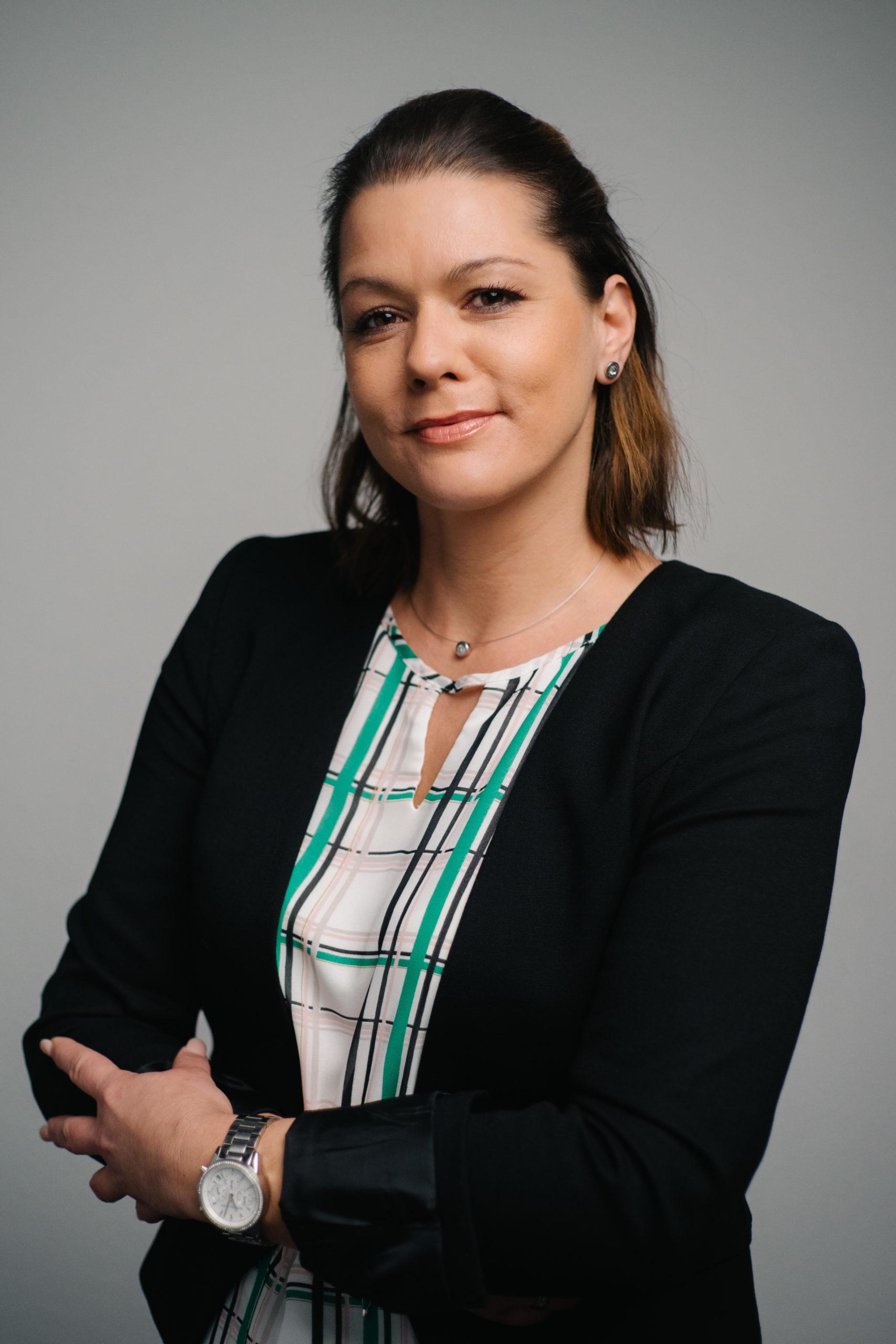 Stefanie Lay